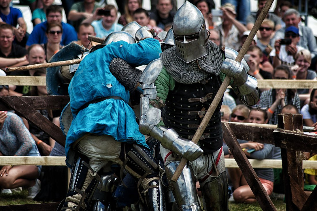 reconstruction of a medieval European battle